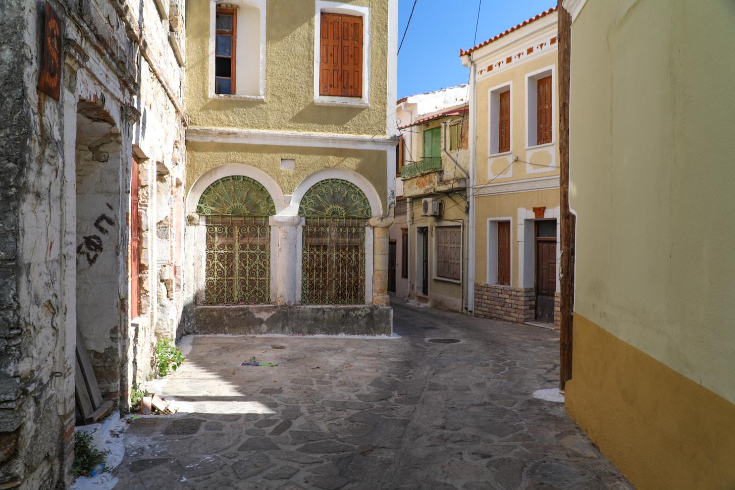 Het dorp Pyrgos (of Pirgos) op Samos