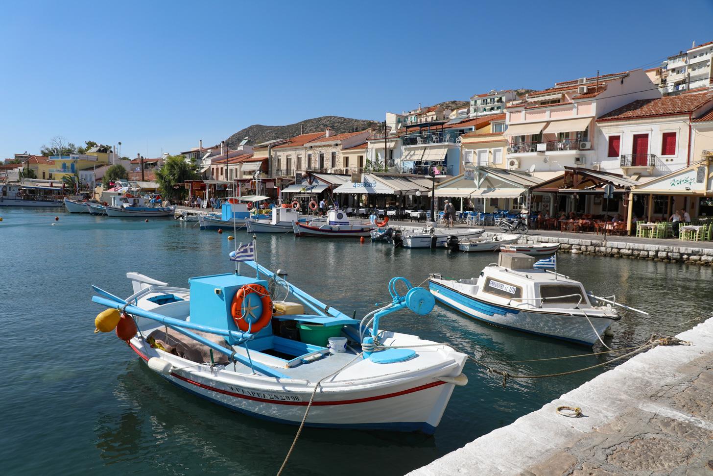 Het sfeervolle havenplaatsje Pythagorion.