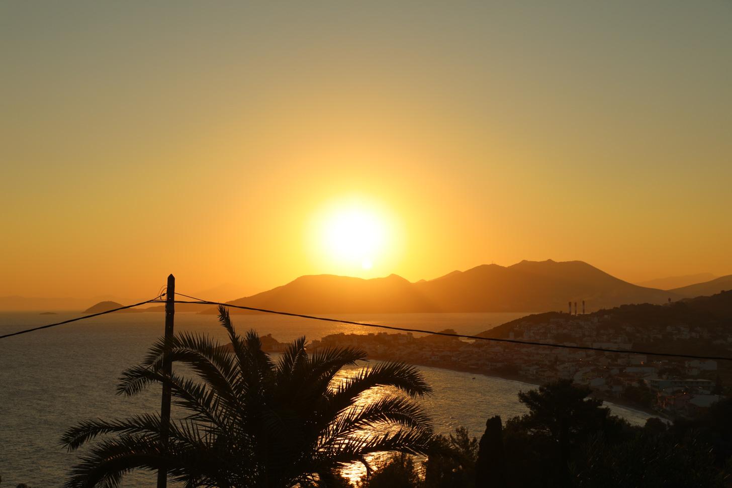 Een beeld dat je veel ziet op Samos: de zon!